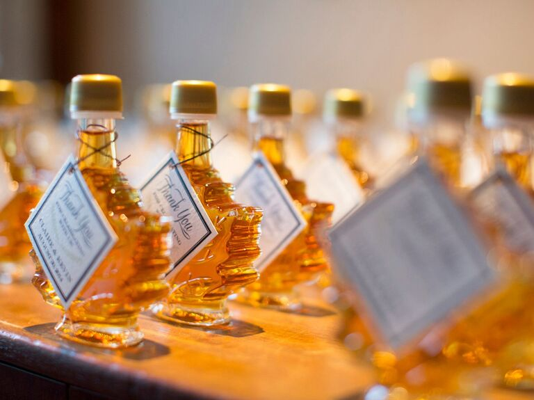 Fall wedding favors maple syrup