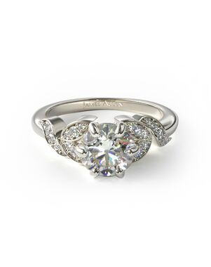 James Allen Glamorous Round Cut Engagement Ring