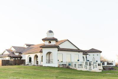 Umbra Winery at La Buena Vida Vineyards Weddings