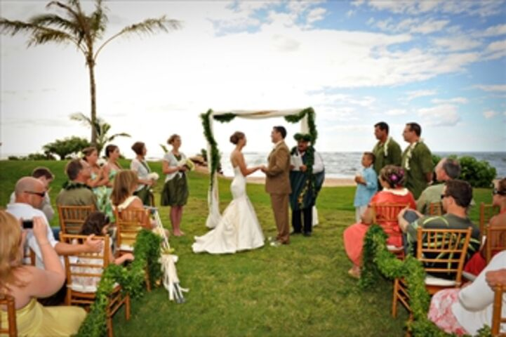 Loulu palm estate north shore oahu hi for Honolulu wedding dress rental