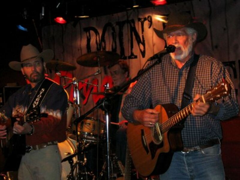 Les Vaughn  - Country Band - The Dalles, OR