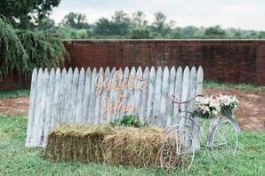 Rustic DIY Fence Photo Backdrop