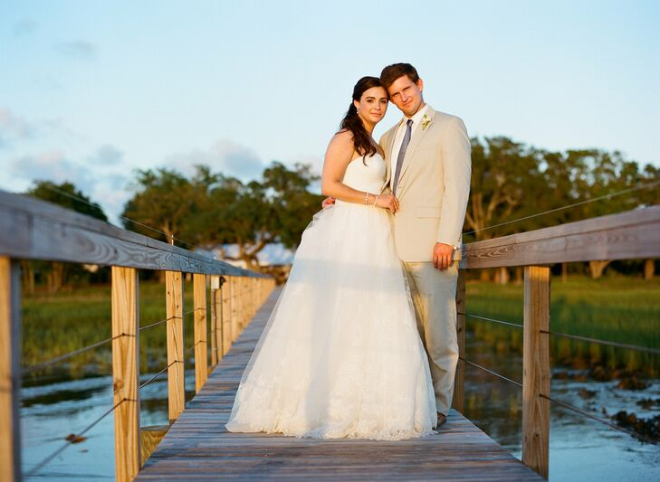 Kathryn and Cal celebrated their nuptials in true southern style at the Lowndes Grove Plantation in Charleston, SC with stunning views of the Ashley R