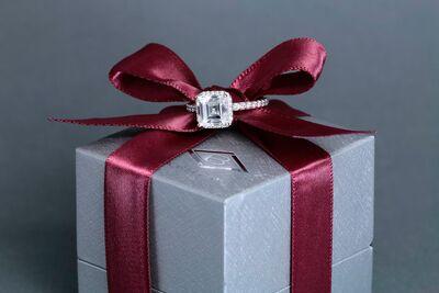 Borsheims Fine Jewelry & Gifts