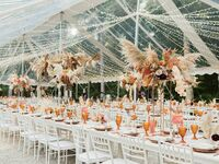 How to Transition Seasonal Wedding Color Palette