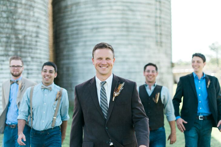 Brad dressed casually in boots and jeans but paired it with a tie and brown blazer to add sophistication. Groomsmen were dressed similarly in jeans and boots but were given the freedom to decide exactly what would be worn on top, ranging from suspenders and vests to jackets.