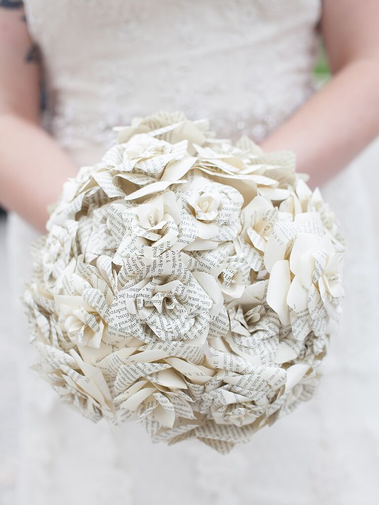 15 Ways To Use Paper Flowers At Your Wedding