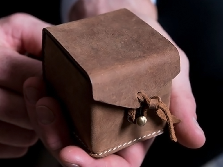 engagement ring box ideas leather