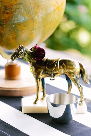 Vintage Horse Figurine Decorations With Flower Wreath