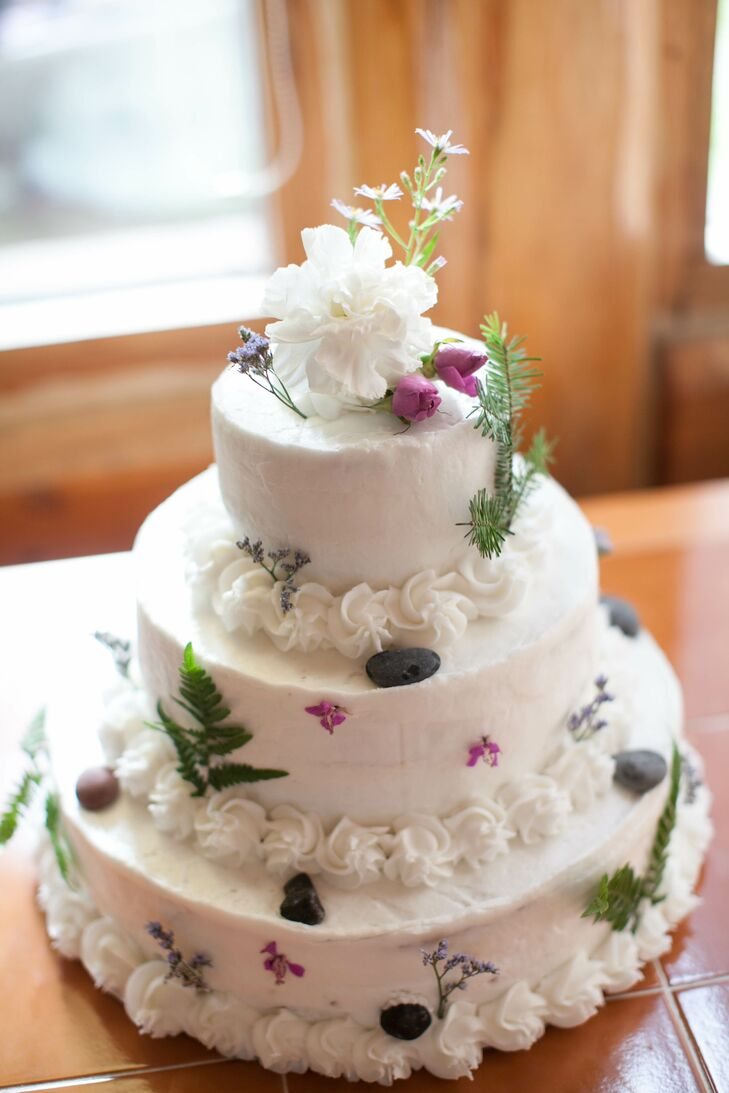 Round White Wedding Cake with