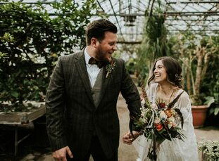 Earthy, charming and rustic were three requirements for Amanda DePolo (27 and a fabric developer and colorist) and Matthew Kelly (27 and self-employed