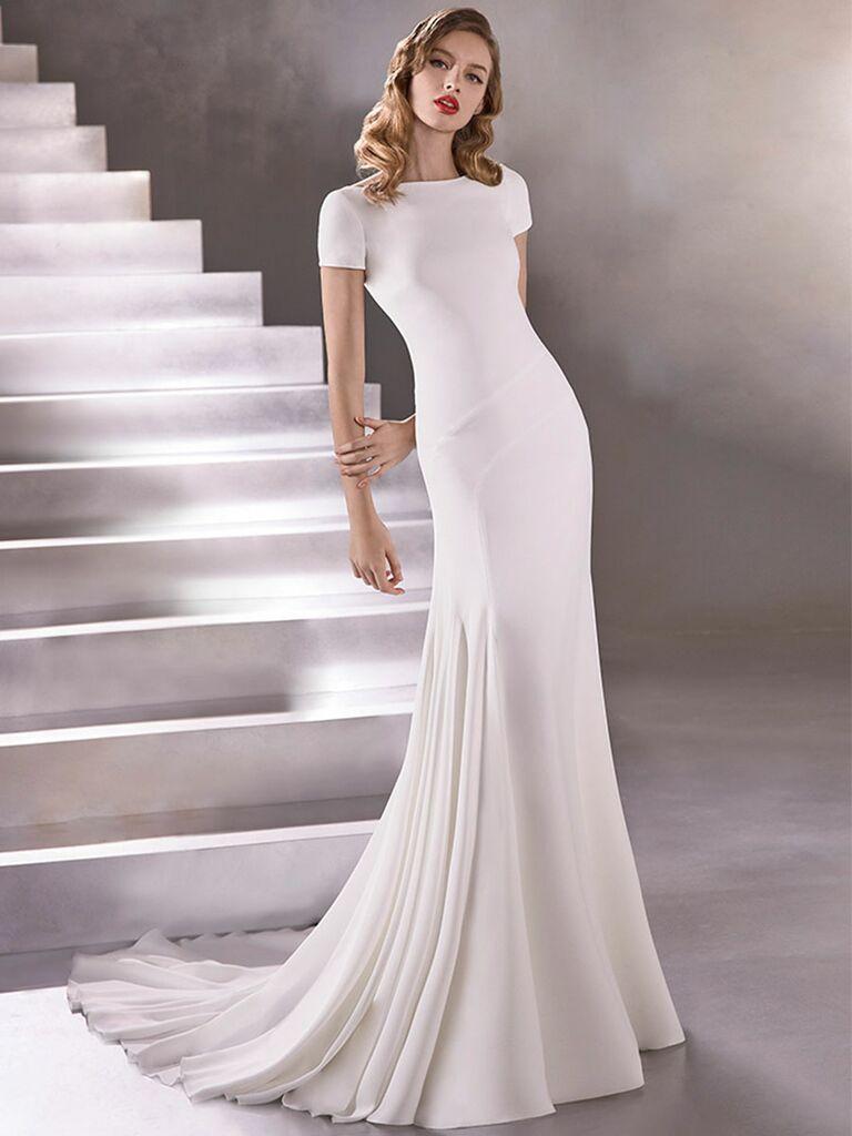 Atelier Provonias wedding dress short-sleeve sheath dress with low back