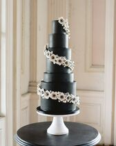 LW Cake Design