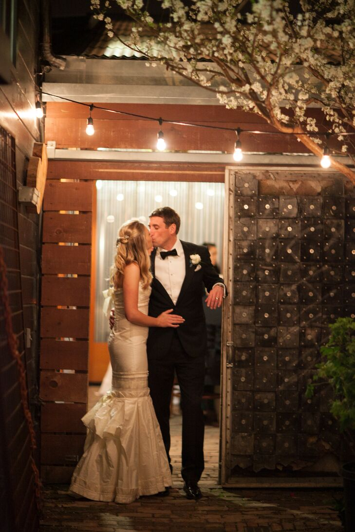 Lauren Sloan, 30, and Taylor Wakefield, 39 met while living in NYC and dated there for a few years before moving to San Francisco. Taylor, director of