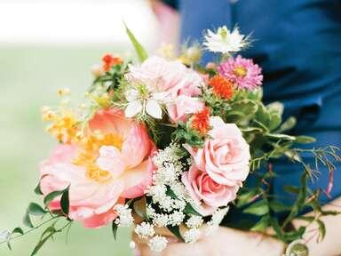 Choosing a bridesmaid bouquet