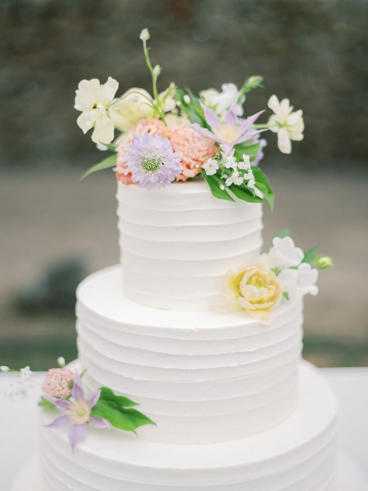 Romantic Tiered Cake with Pastel Flowers