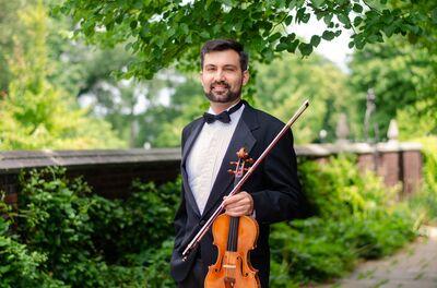 Devin Arrington, Violinist