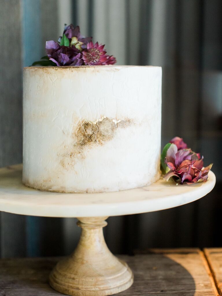 Textured wedding cake 2019 trend