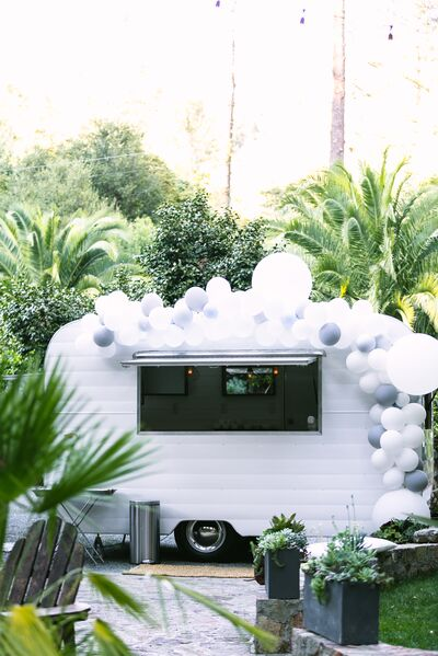 A Lil Somethin' Sweet Mobile Cocktail and Dessert Bar