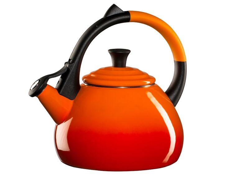 Le Creuset Oolong best tea kettle