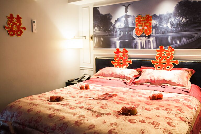 Traditional Chinese matrimonial bed