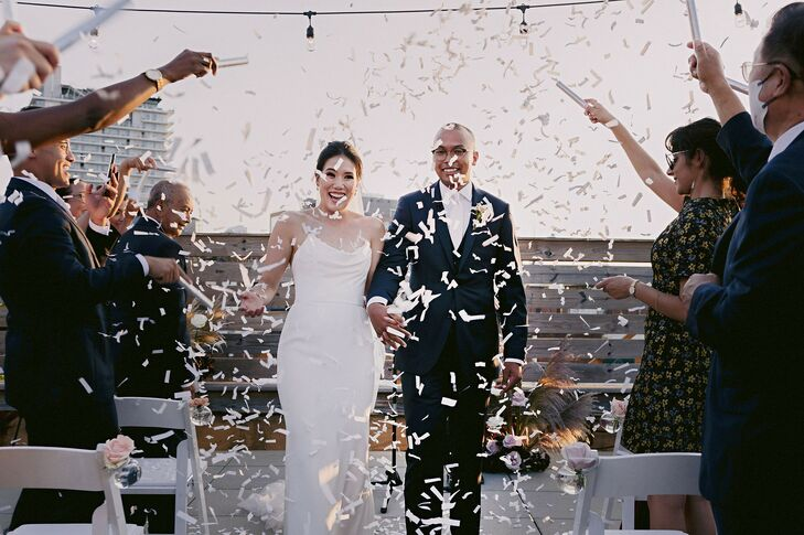 As an emergency medicine physician, Jamie Lee (32) was keenly aware of the potential health risks COVID-19 posed for her nuptials to Asaad Zaman (32 a