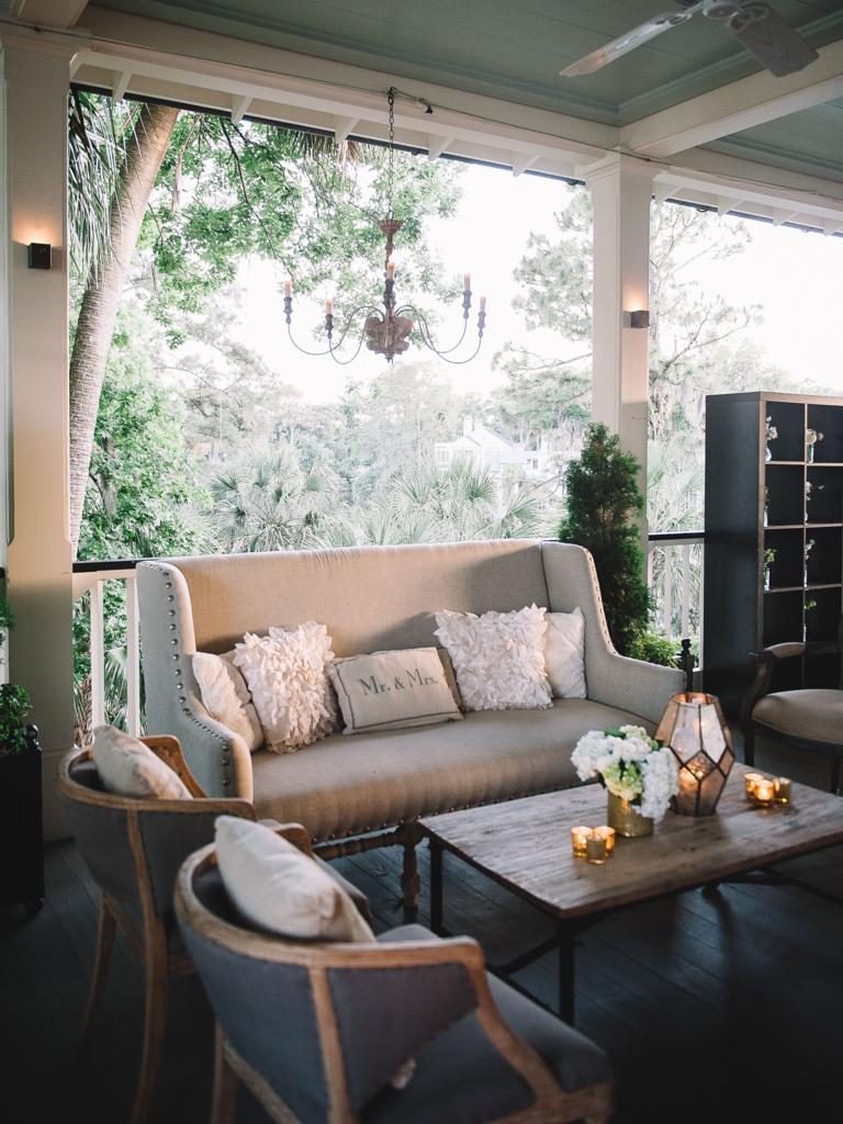 Outdoor wedding cozy space