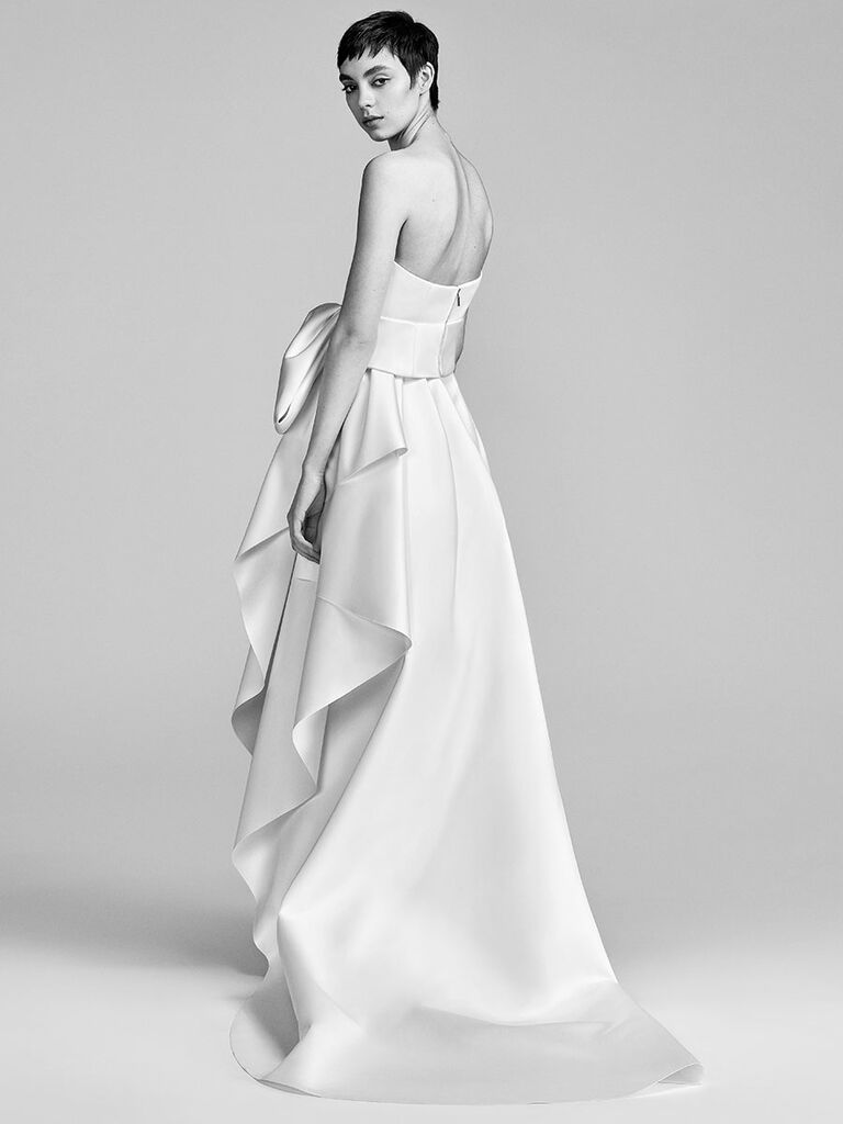 Viktor Rolf Spring 2018 Simple Strapless A Line Wedding Dress With Front Bow