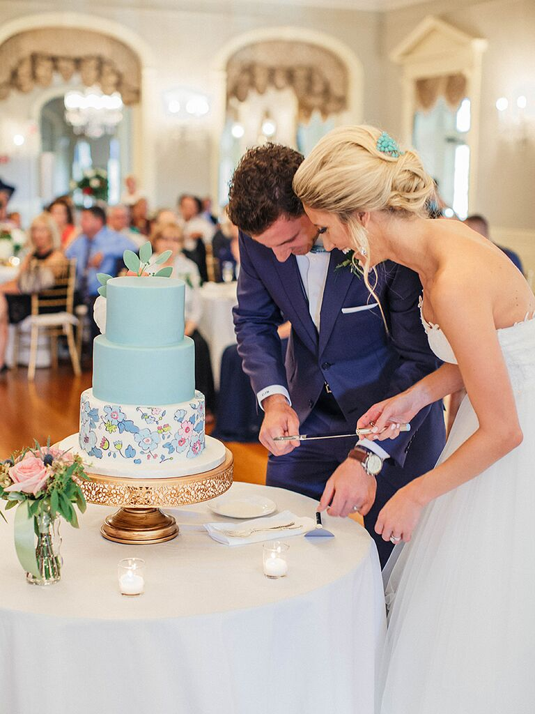 Wedding Cake Cutting Tips