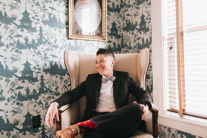 Shane rocked a custom suit from Bindle & Keep in Brooklyn, New York, for his walk down the aisle. He paired the herringbone wool suit with a custom bow tie from Portland's own Bowline Co. and red bandana socks that spoke to his Southwestern roots.