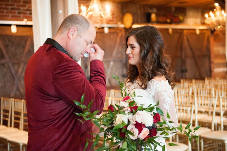 As a pastor, Brooklyn's father was there to walk her down the aisle but also to marry her and Caleb. His rich velvet bordeaux jacket pairs expertly with the bride's bouquet which featured bordeaux roses.