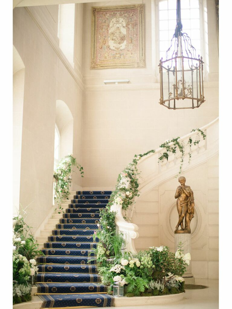 Vintage and antique regencycore wedding venue