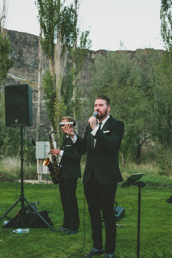 "The lead singer of Golden Standard sang Jack Johnson's ""Better Together"" throughout the ceremony as Elle and Kalen had their private moment apart from the rest of the guests."