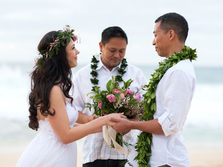 Romantic tropical elopement in Hawaii
