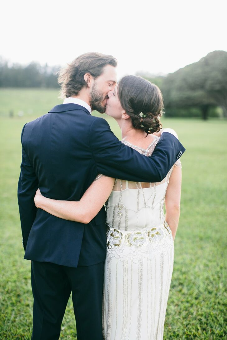 Julia and Ed jetted off to Hawaii for a destination wedding with family and friends. The celebration employed many tropical, destination-worthy aspect