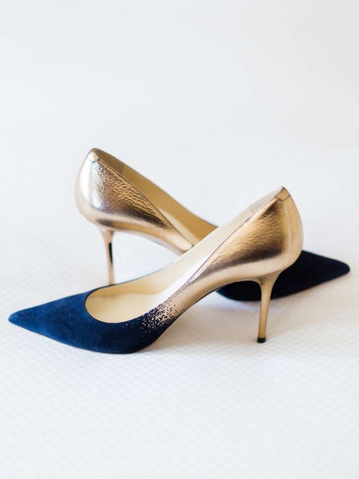Kelly's pointy Jimmy Choo pumps faded from navy blue satin to gold.