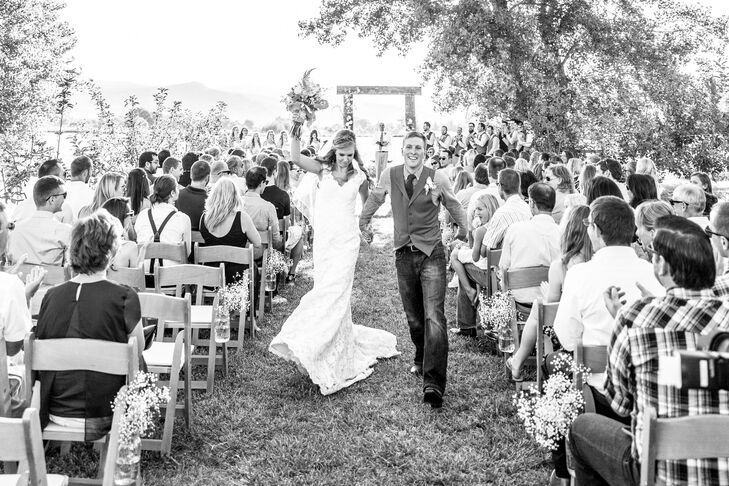 Leslie and Andrew exchanged vows at Ya Ya Farm & Orchard in Longmont, Colorado. Their ceremony took place under a large tree between the rows of the apple orchard. Gorgeous mountain vistas of Long's Peak in the background were definitely a bonus.