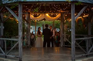 A Shabby-Chic Ceremony in Texas