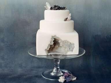 White geode wedding cake made by SainteG.com