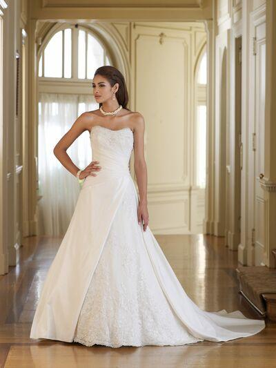 Debi's Bridal