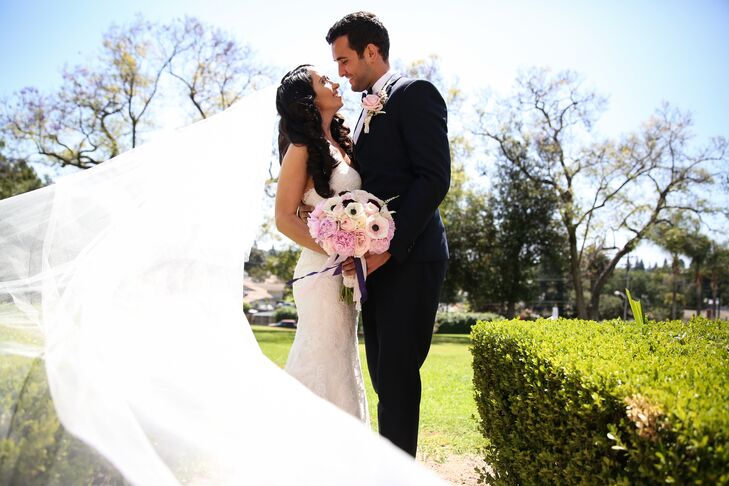 Using a romantic blush, ivory and plum color palette, Lidia Priala (31 and works in child care) and Nick Tibru (30 and works in private business) had