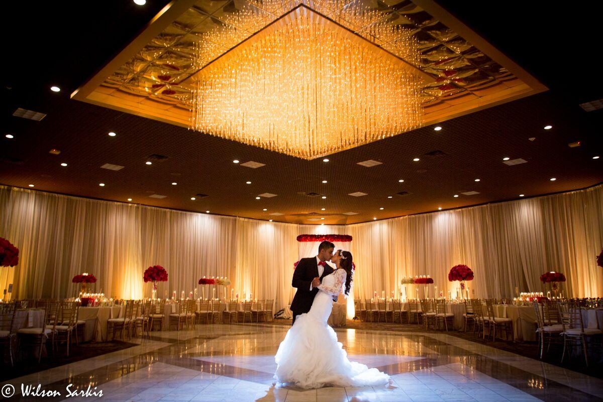 Wedding reception venues in detroit mi the knot laurel manor banquet conference center junglespirit Images