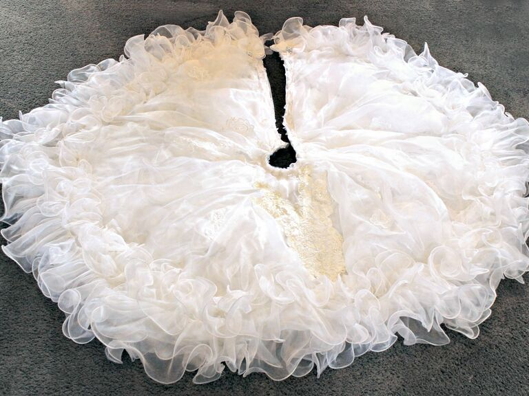Woman Turned Her Wedding Dress Into A Christmas Tree Skirt