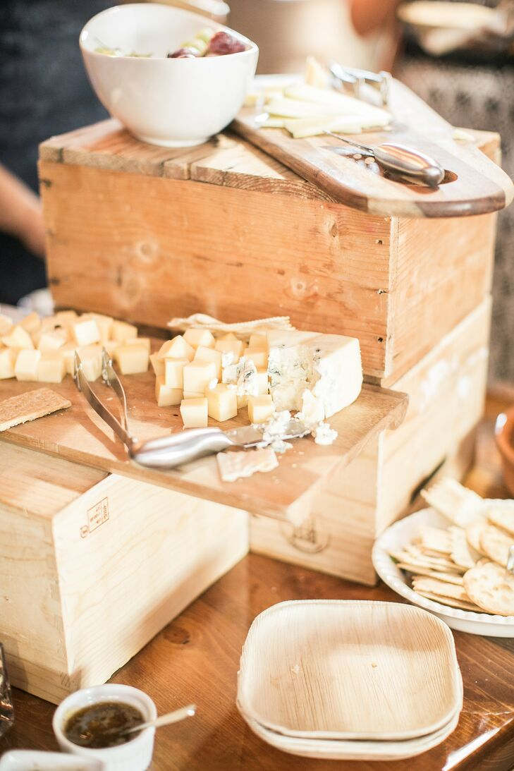 Iowa cheese was displayed on a rustic crate for guests to snack on during cocktail hour.