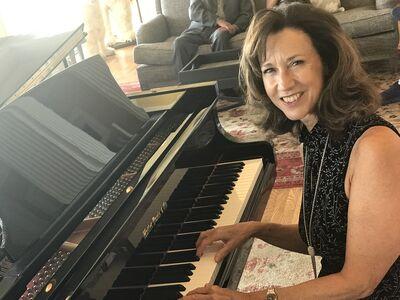 Saratoga Piano