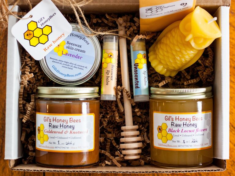 Honey and wax gift set for 16th anniversary