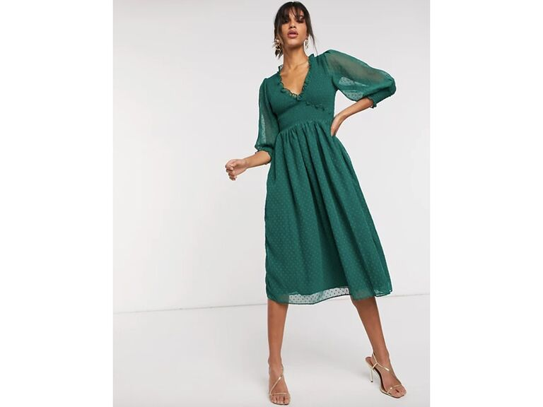 Green shirred midi dress with V-neck and 3/4 length sleeves