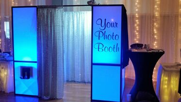 Your Photo Booth & Event Decor BEST OF THE KNOT