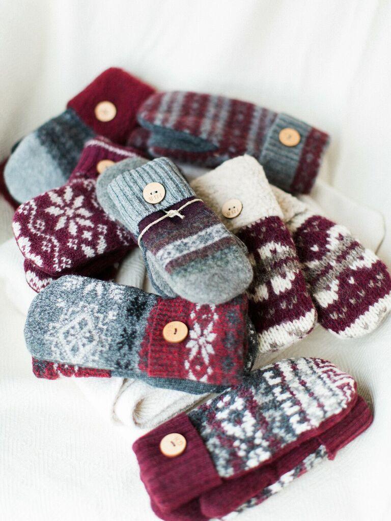 winter wedding ideas mitten favors