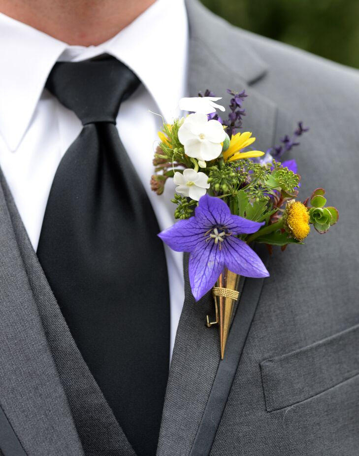 Josh adorned his lapel with a fresh mix of locally grown wildflowers in bright shades of yellow and purple.